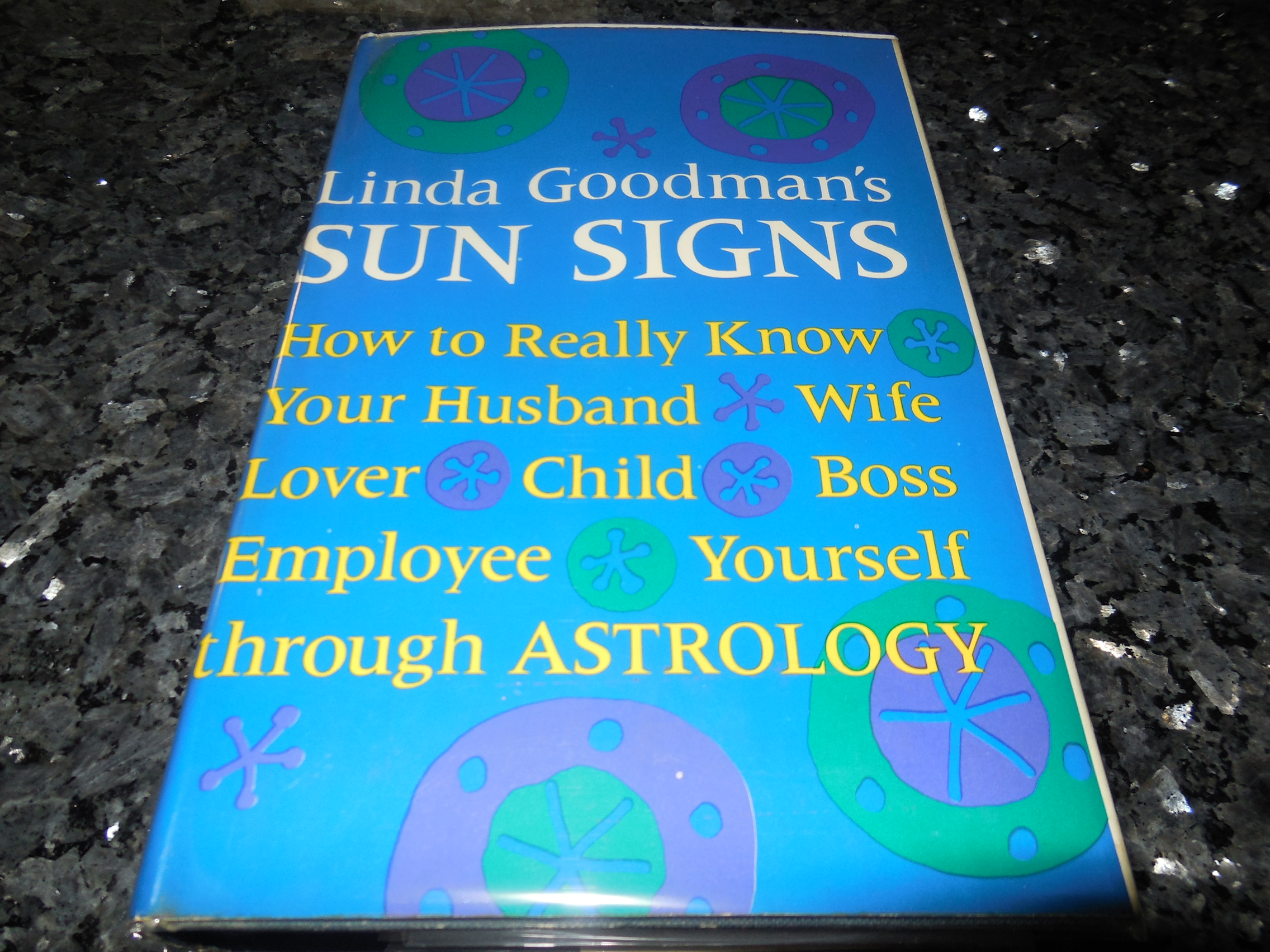 Image for Linda Goodman's Sun Signs