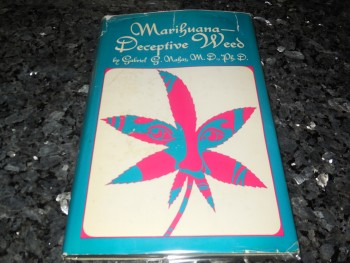 Image for Marihuana - Deceptive Weed