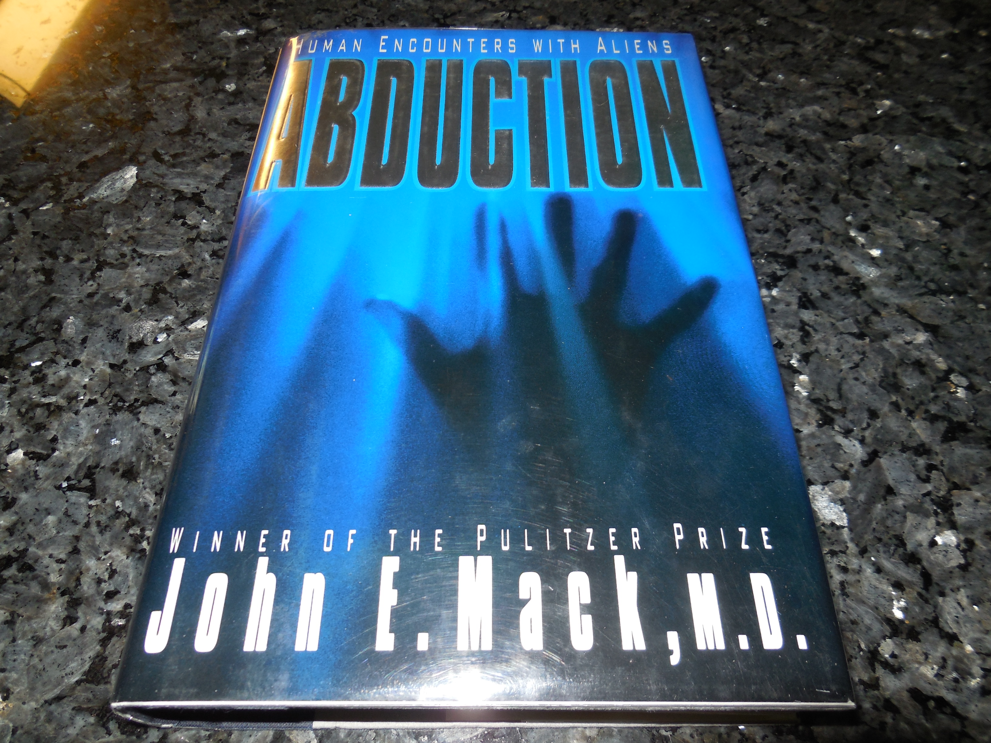 Image for ABDUCTION: HUMAN ENCOUNTERS WITH ALIENS