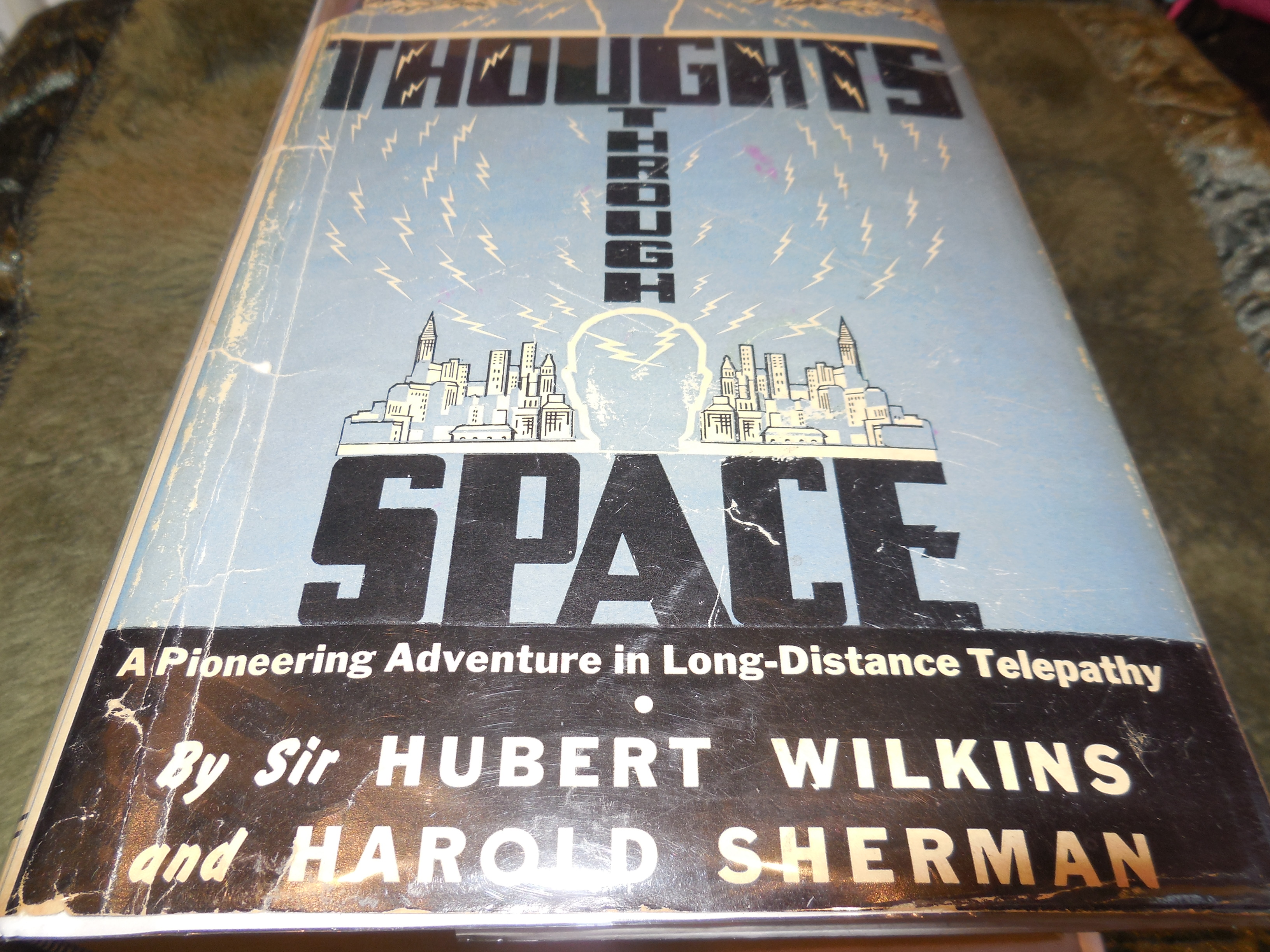 Image for Thoughts Through Space - A Pioneering Adventure in Long-Distance Telepathy